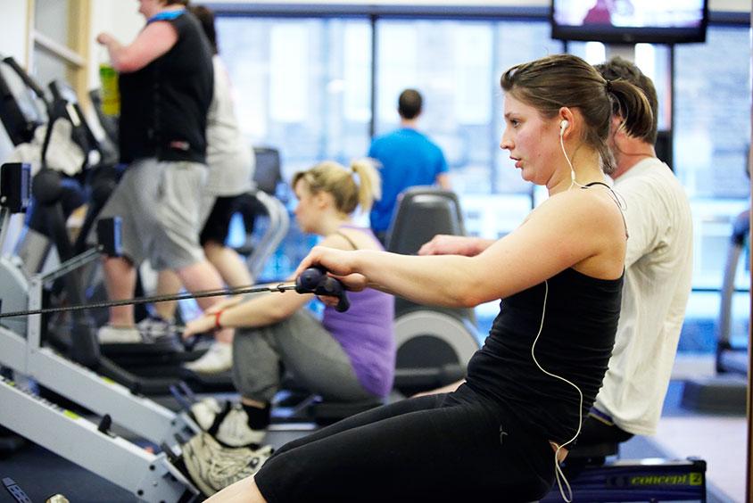 sport hallam gym girl 01